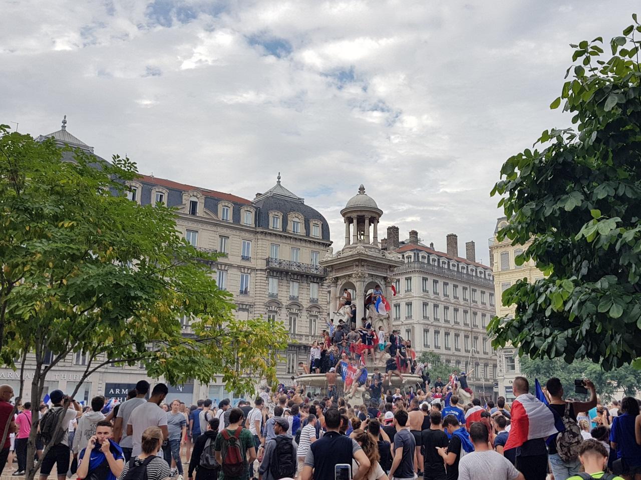 Les fontaines, ici Jacobins, ont été prises d'assaut