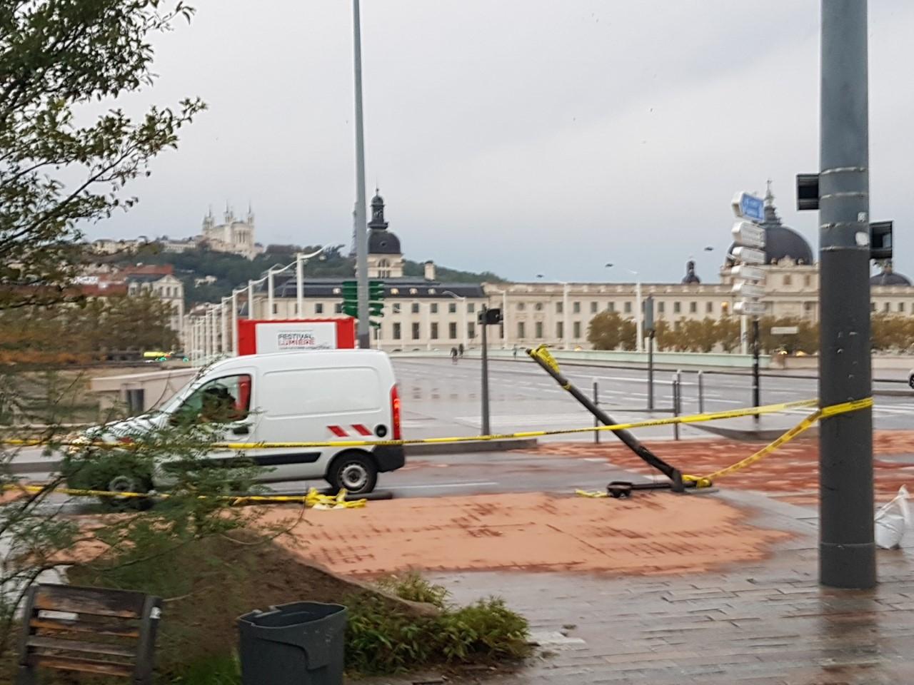Lyon : violente sortie de route à la Guillotière