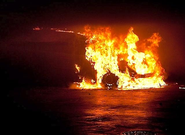 Le nombre de voitures brûlées le 14 juillet a baissé cette année