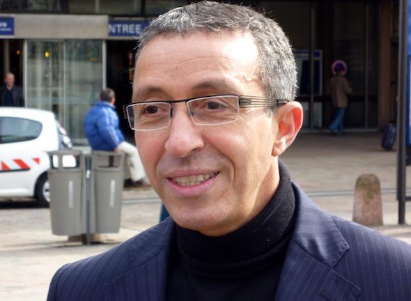 Azouz Begag s'engage aux côtés de Dominique de Villepin