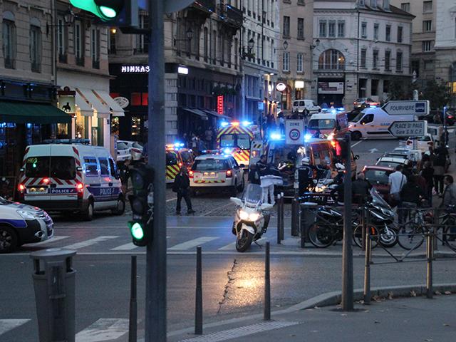 Une automobiliste perd le contrôle de sa voiture à Saint Paul : 3 blessés dont un grave