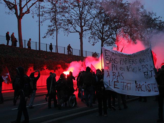 Débordements lors de la manif anti-FN : les organisateurs taclent la police et les provocateurs