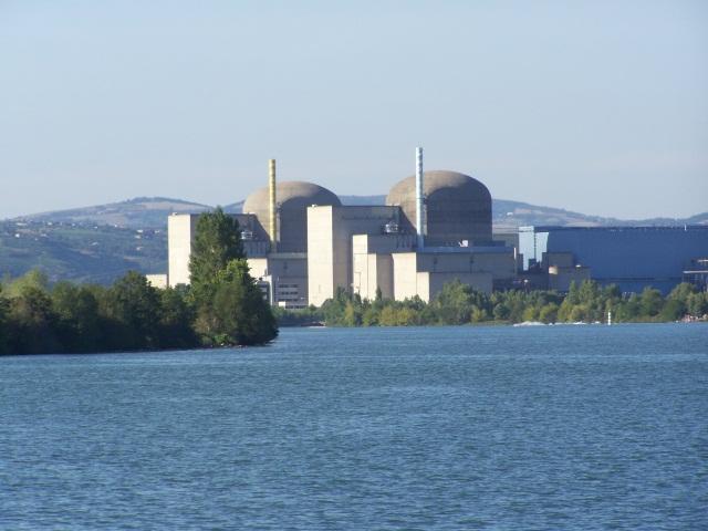 Les plans d'une centrale nucléaire au sud de Lyon volés !