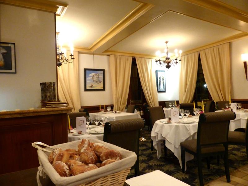 Le mythique restaurant Larivoire met sa vaisselle aux enchères à Lyon