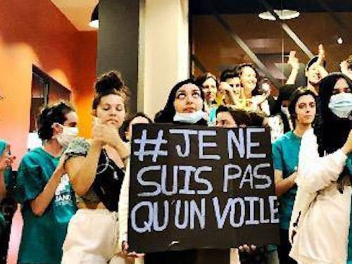 Lyon : Alliance Citoyenne envahit une salle de sport qui refuse les femmes voilées