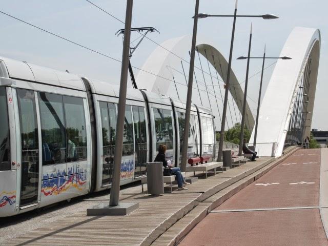 Lyon : un corps repêché près du pont Raymond-Barre