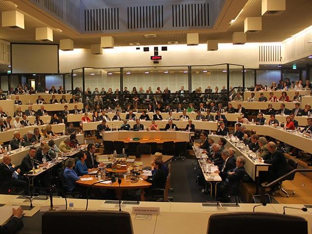 Plus de la moitié des élus déserte le conseil de la Métropole de Lyon, la séance suspendue