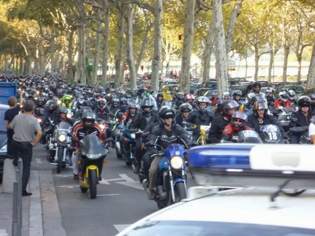 Des milliers de motards en colère ce samedi dans les rues de Lyon