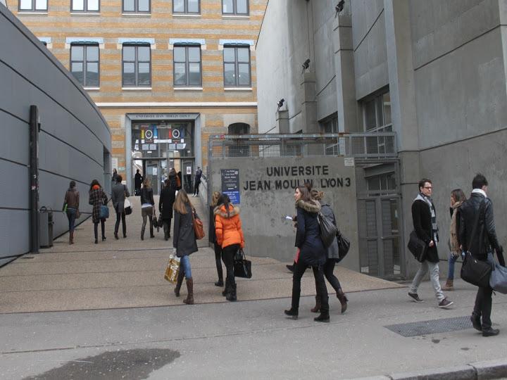 L'université Lyon 3 a pris un coup de soleil, les étudiants manifestent