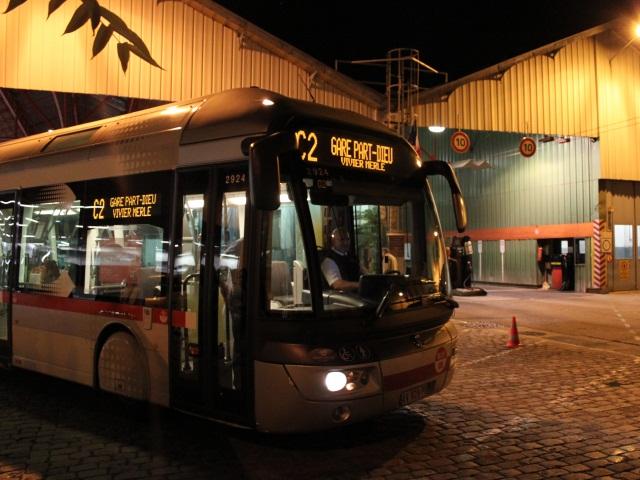 Des bus TCL caillassés ce weekend en banlieue de Lyon