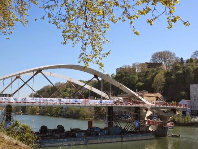 Les Lyonnais conviés au spectacle d'inauguration du nouveau pont Schuman