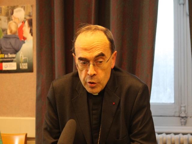 """Mgr Barbarin sur Vincent Lambert : """"On ne peut pas provoquer délibérément la mort de quelqu'un"""""""