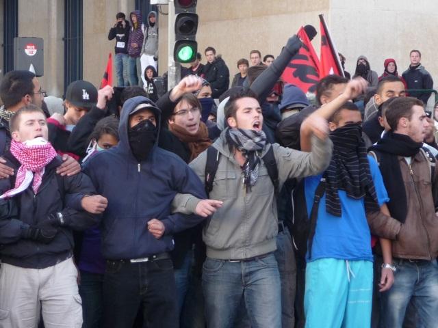 Loi Travail : un rassemblement des anarchistes à Lyon contre le recours au 49.3