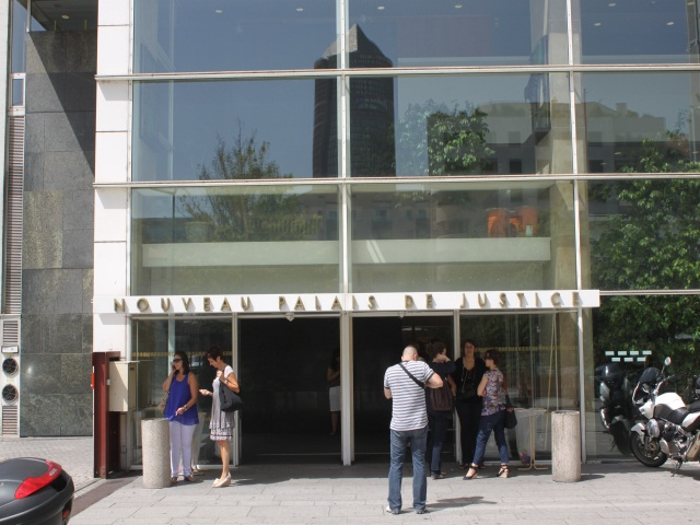 Lyon : une figure du banditisme paye sa caution de 500 000 euros en liquide !