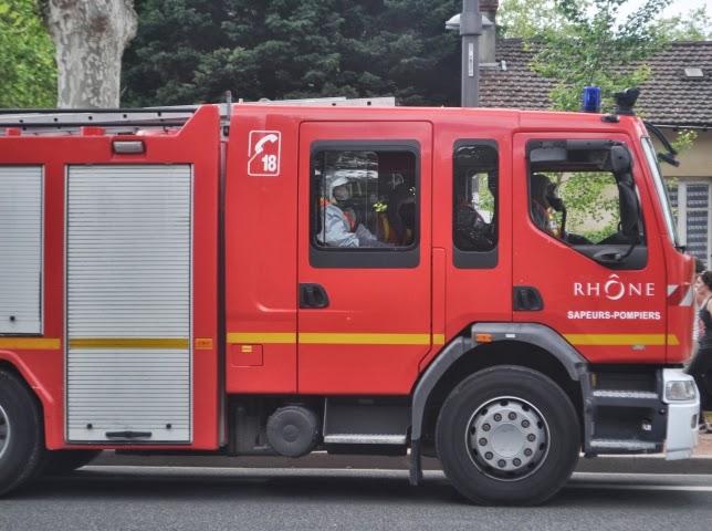 Bourg-en-Bresse: un incendie détruit un garage