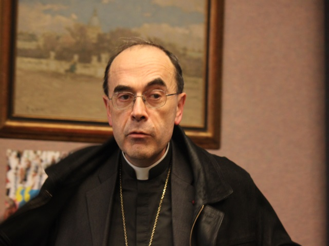 Lyon : le cardinal Barbarin débarque sur Facebook
