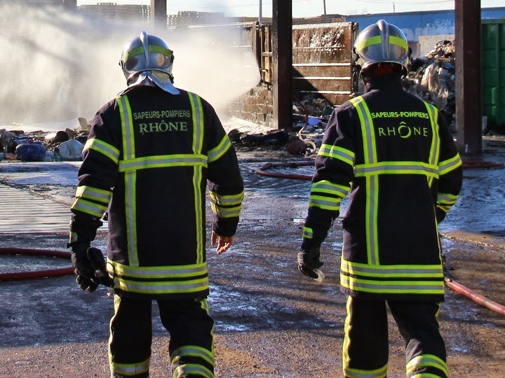 Un gymnase victime d'un gros incendie ce mardi à Villefranche