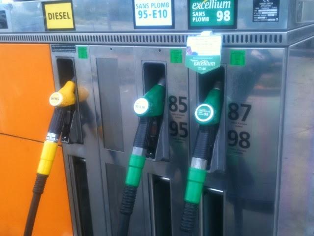 Des voitures en panne à cause d'un échange gazole-essence à la pompe