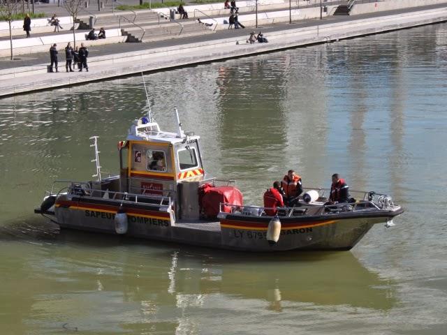 Lyon: un homme emporté par le Rhône en plein centre-ville