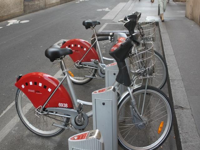 Lyon : les Vélo'v bientôt équipés d'une assistance électrique ?