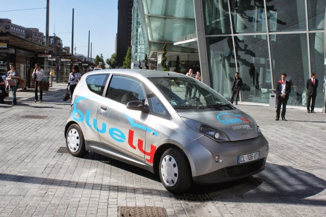 La Métropole de Lyon renouvelle le Label autopartage avec Bluely pour 4 ans