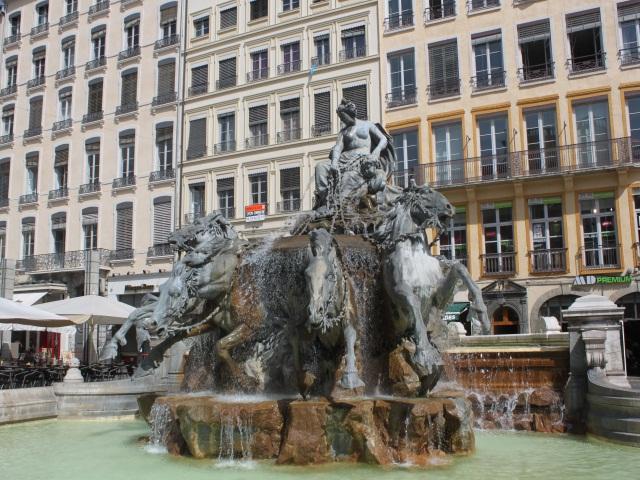 Lyon : la rénovation de la fontaine Bartholdi décalée à mars