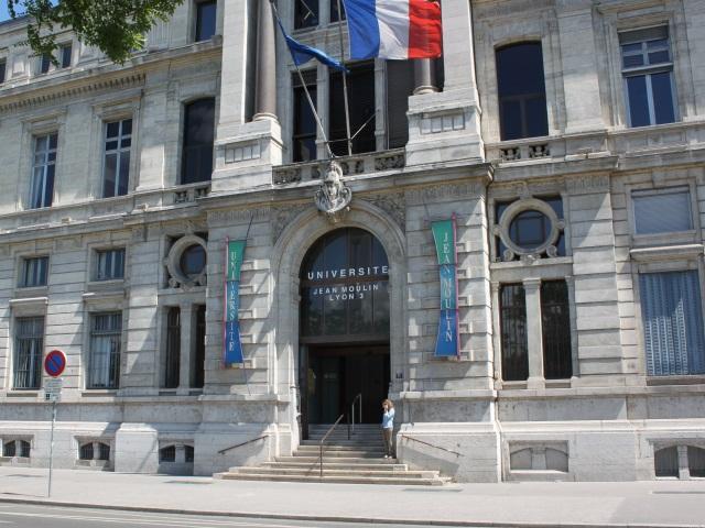 """Lyon : une rentrée """"hybride"""" pour les universités"""