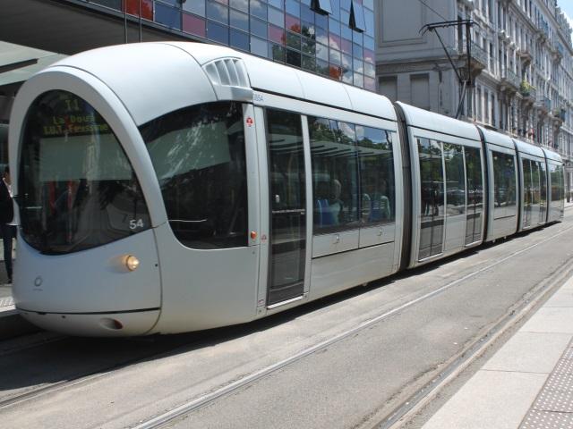 Coronavirus à Lyon :le réseauTCLmaintenu à 55%, leT5suspendu à partir de lundi