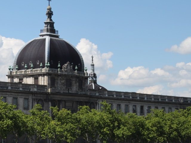 Plus de 70 000 euros par an pour que les Lyonnais puissent se rendre au Grand Hôtel-Dieu ?