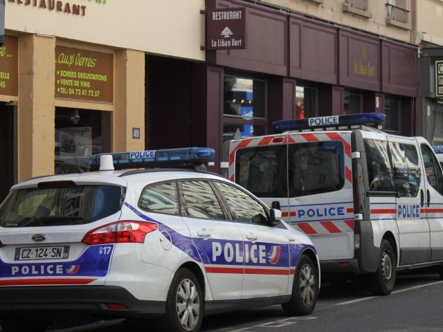 Lyon 9 : les cambrioleurs restent coincés dans la supérette