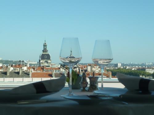 Lyon : le top 5 des restaurants préférés des amants infidèles