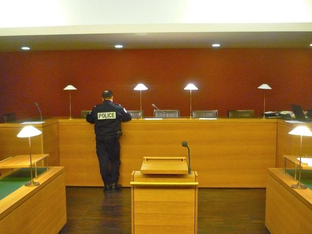 Lyon : il tente de s'échapper du tribunal et chute sur le banc de la défense
