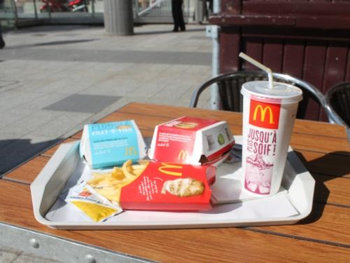 Lyon : on lui refuse un sac à McDonald's, il sort un discours sur Daech