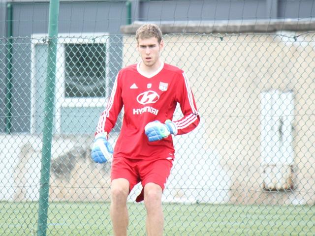 OL : le gardien Lucas Mocio prolongé d'une saison