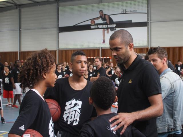 Villeurbanne : 300 jeunes réunis pour le Tony Parker Camp