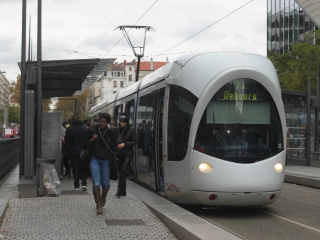 Attentats : petite chute de fréquentation des transports en commun à Lyon