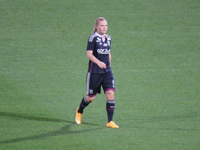Eugénie Le Sommer désormais liée à l'OL jusqu'à en 2019