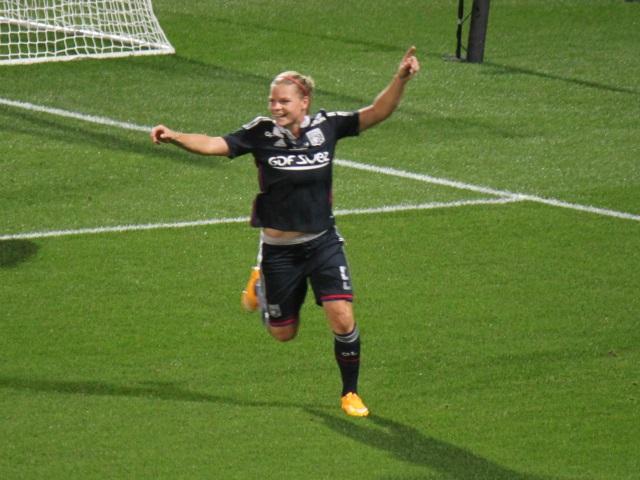 Eugénie Le Sommer voit triple à Guingamp (0-3)