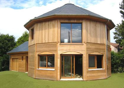 Malgré la crise, les constructeurs de maisons individuelles à ossature bois s'en sortent plutôt bien dans le Rhône