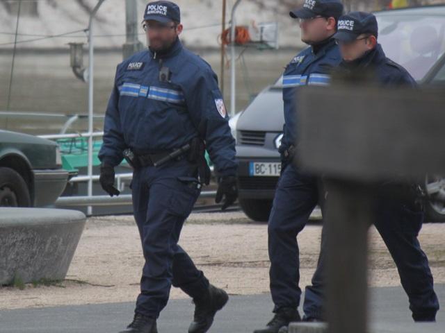 Villeurbanne : le policier municipal reçoit un coup de poing