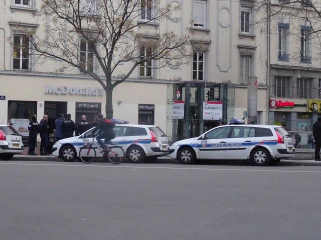 Lyon : contre les trafics, police et douane débarquent à la Guillotière