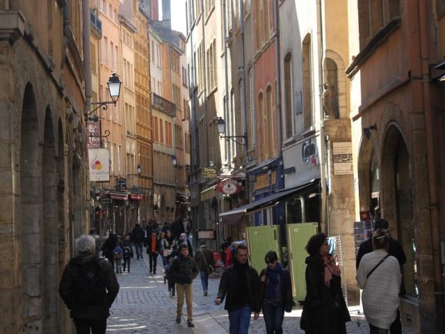 Un rassemblement pour lutter contre les discriminations dans le Vieux Lyon