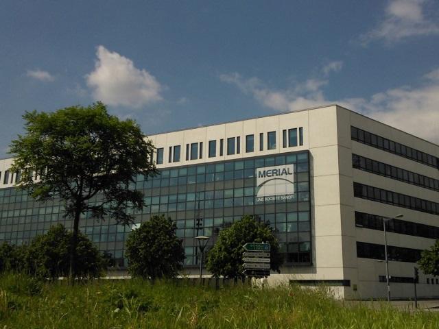 Lyon : la première pierre du nouveau lycée de Gerland posée