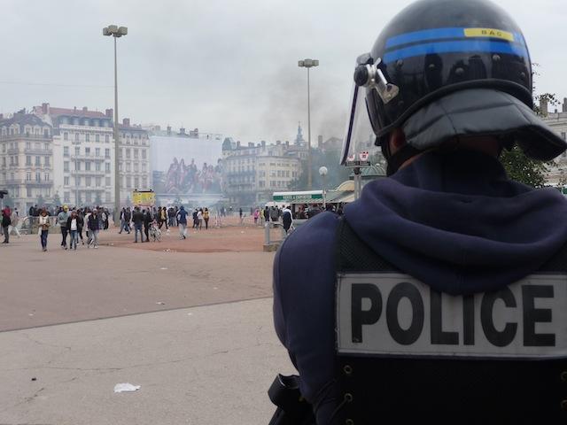 21 octobre 2010, place Bellecour, Lyon : un anniversaire sous tension