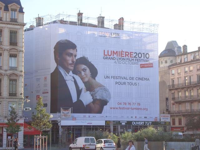 1 000 m2 de Festival Lumière et de Biennale de la Danse Place Bellecour