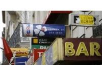 Un SDF vole des livres dans un bar-tabac