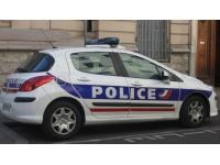Rhône : ils se poignardent mutuellement