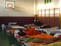 Des Roms relogés dans un gymnase à Bron