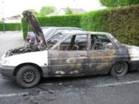 Il brûle une voiture à Lyon