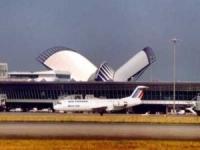 Les voyageurs de l'aéroport St Exupéry dans la boite